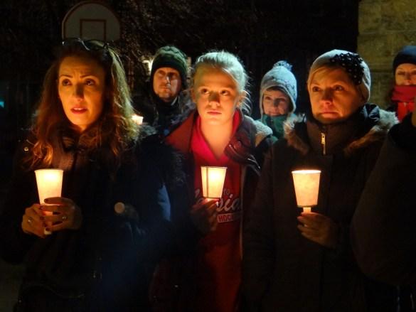 Veillée au Collège français pour les victimes de la tuerie de Québec.
