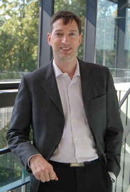 Le directeur du département d'Études françaises de l'Université de Toronto, Pascal Michelucci. (Photo: Simone Laughton)