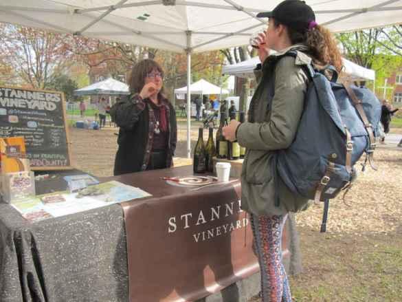 Madame Stanners, vigneronne du Comté du Prince Edward, situé à 2h de Toronto.