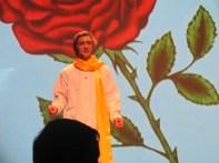 Jonathan Séguin dans le rôle du Petit Prince.