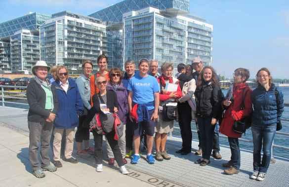 Le groupe de participants au Historitour de la Société d'histoire de Toronto le 4 juin.