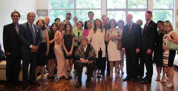Des collègues et proches de  Sima Farsandaj.
