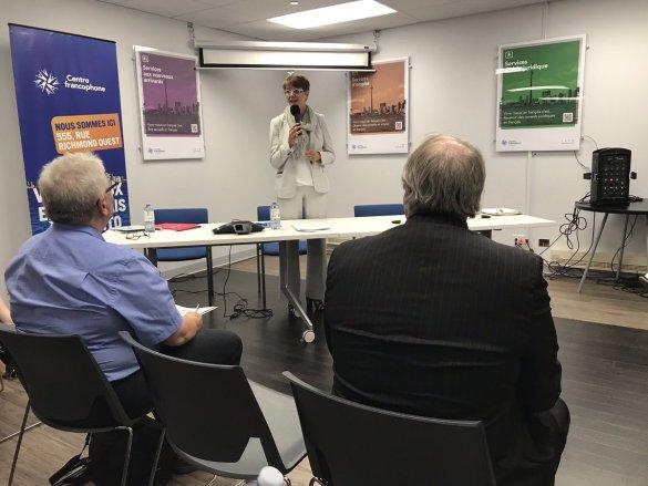 La présidente sortante Claire Francoeur a présenté son rapport à l'AGA.
