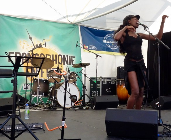 Amanie Ill-fated sur la scène de Francophonie en Fête à la Distillerie dimanche.