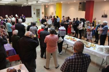 Le père Pierre Courtot remercie les paroissiens du Sacré-Coeur venus fêter son 90e anniversaire.