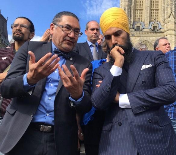 Le député Roméo Saganash et le chef du NPD Jagmeet Singh.