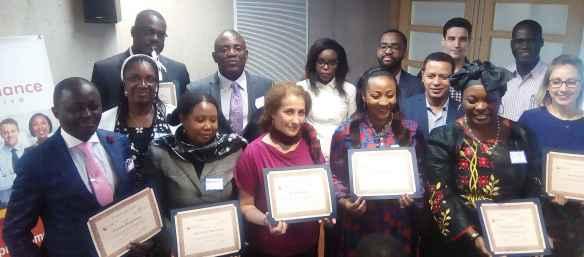Des «diplômés» et des mentors du programme Gouvernance inclusive.