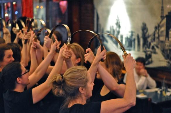 Les danseuses de Toronto Womens Sword.