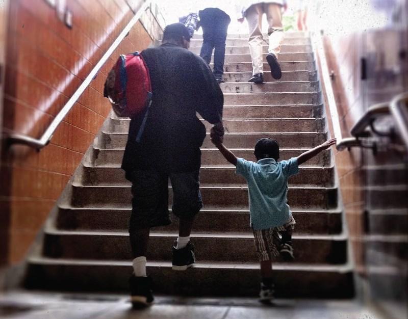 Un peu plus d'une famille sur quatre serait pauvre à Toronto.