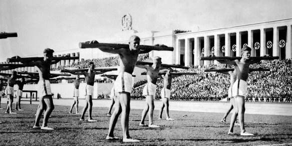 Les Jeux d'hitler/NAZISM-SPORTS-PARADE