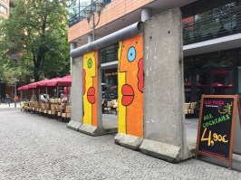 morceau de l'ancien mur de Berlin