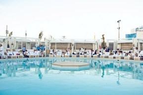 La piscine du Cabana Pool Bar.