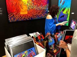Les œuvres exposées par Ritchie Sinclair et Brona Wingell, lors de la Journée de la Terre à la TFS.