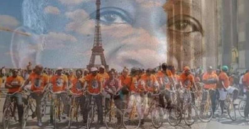 Des partisans de Gbagbo à vélo pour exiger son retour au pays