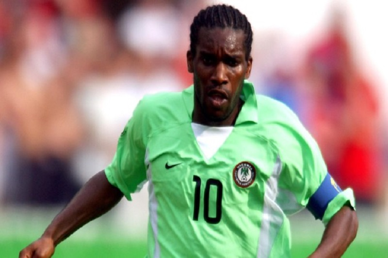 Jay-Jay Okocha, mandat d'arrêt, Nigeria