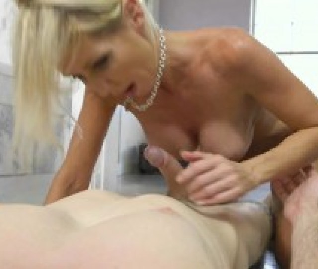 Chesty Cougar Tylo Duran Gets Her Pussy Plowed