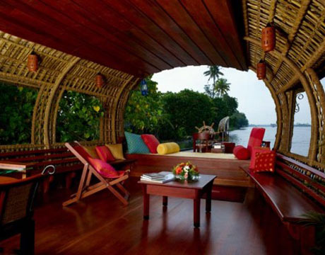 luxury houseboat in kerala india