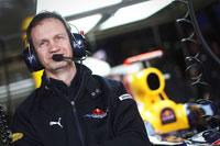 CNBC_Worlds_coolest_jobs_race_car.jpg