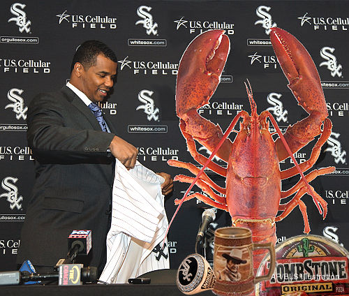 Burglar takes Kenny Williams' Series ring, defrosts a lobster