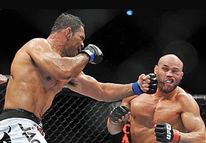 Antonio Rodrigo Nogueira and Randy Couture battle at UFC 102.