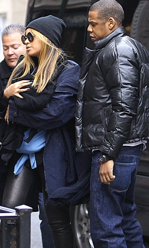 Beyonce and hubby Jay-Z took baby Blue Ivy to a Manhattan restaurant on Saturday. (Sharpshooter Images/Splash News)