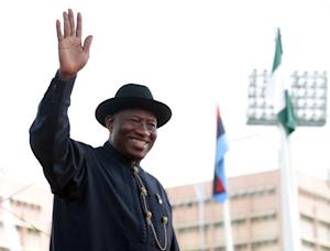 Former President Goodluck Jonathan waves to the crowd …