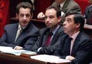 Ces derniers jours, Nicolas Sarkozy s'est activé - toujours en coulisses - pour jouer les juges de paix, téléphonant aux uns, aux autres, recevant à déjeuner M. Fillon, obtenant de MM. Fillon et Copé qu'ils se rencontrent