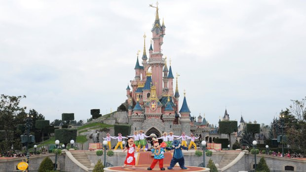 Disneyland Paris Worker Dies in Haunted House Attraction