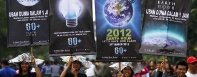 Kampanye Earth Hour di Solo (Foto: Antara/Akbar Nugroho Gumay)