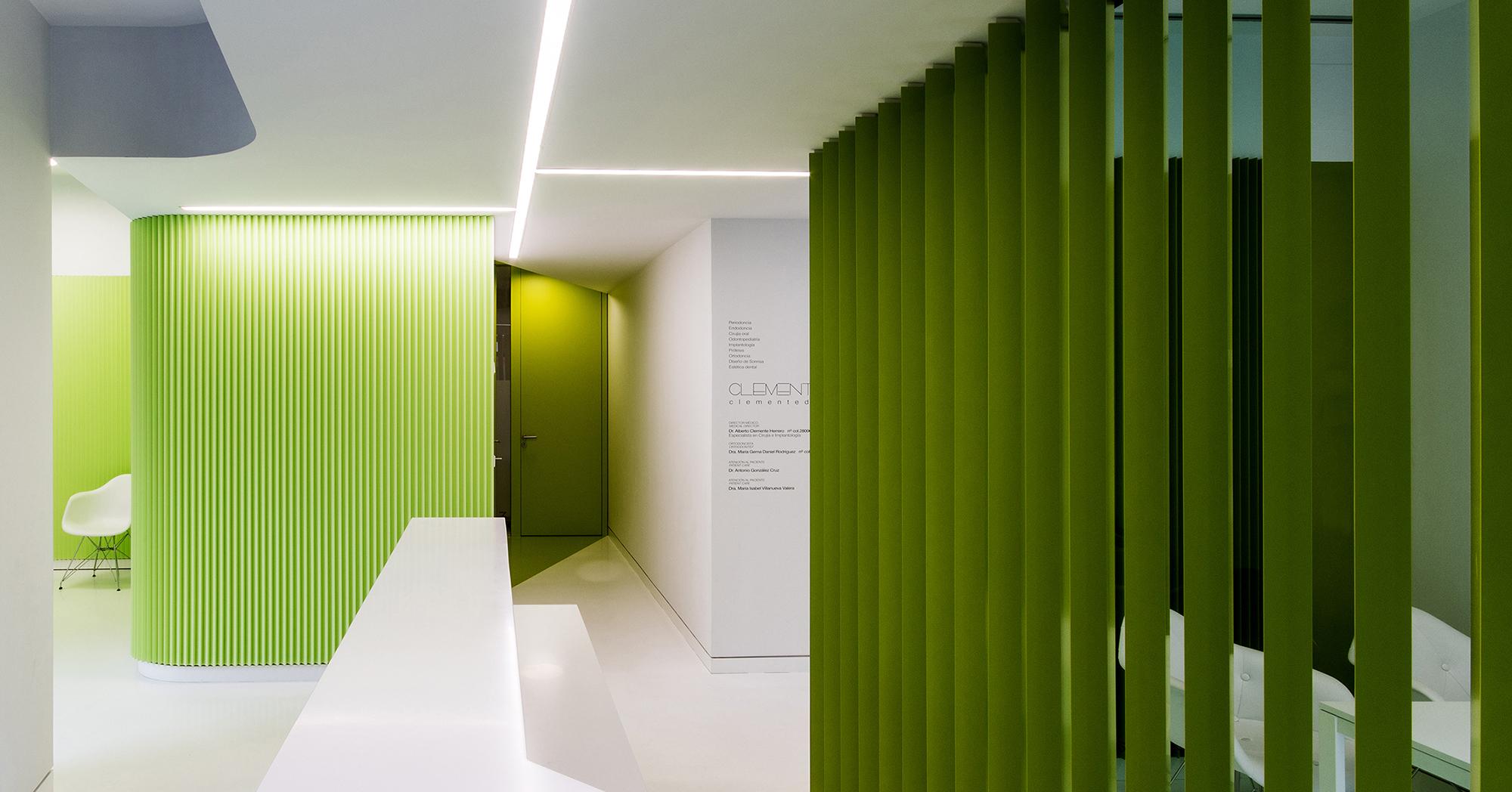CLINICA CLEMENTE dental - LANDÍNEZ+REY arquitectos - arquitectura retail - escalera