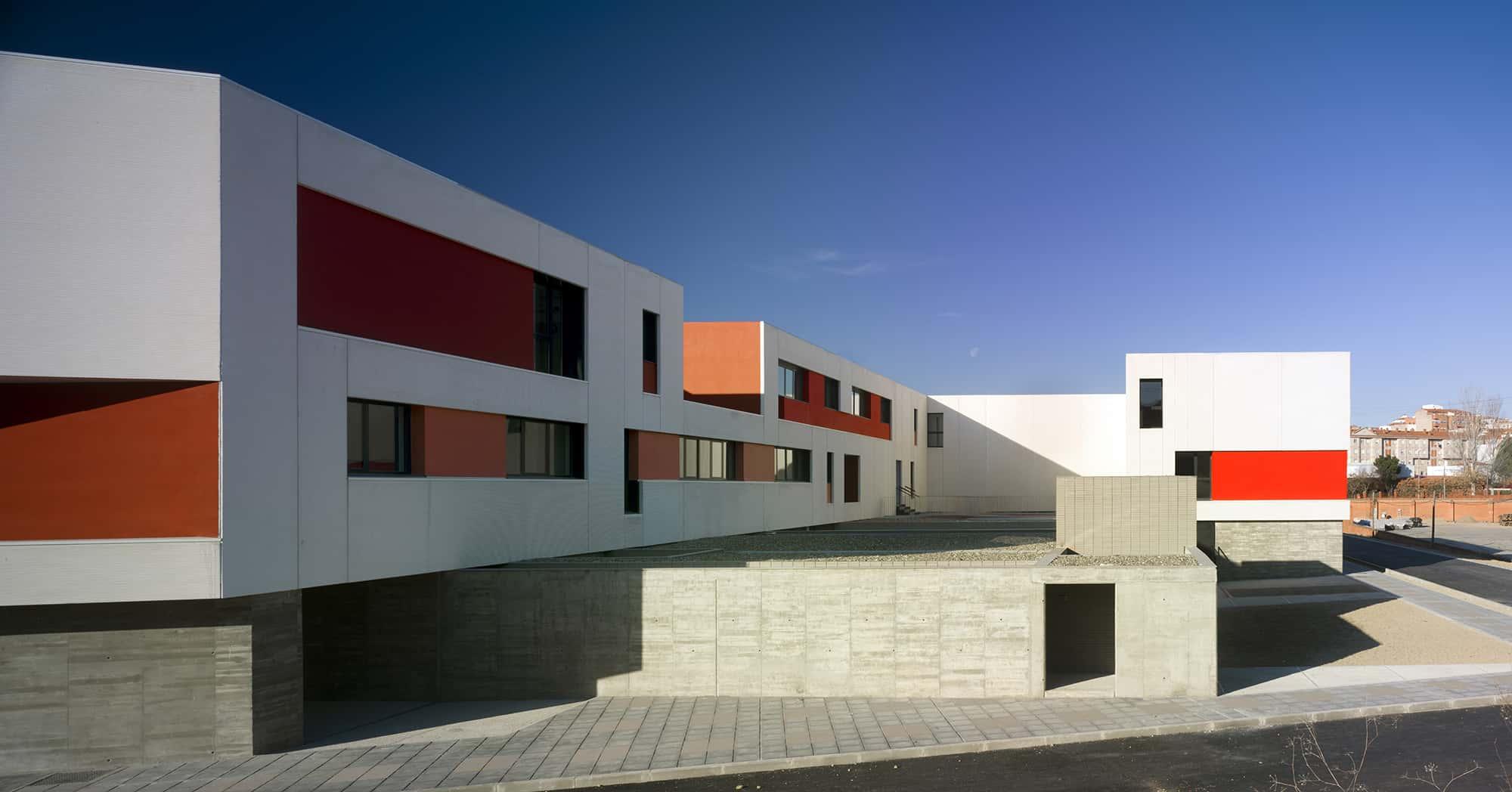 IES Coria - alzados - arquitectura escolar - LANDÍNEZ+REY | eL2Gaa
