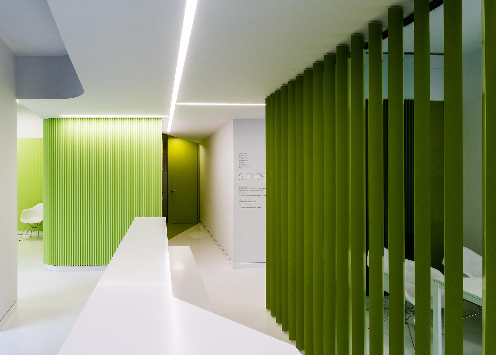CLINICA CLEMENTE dental - LANDÍNEZ+REY arquitectos - arquitectura retail - interiorismo atencion al publico
