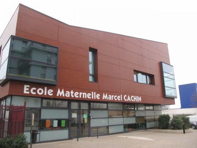Choisy-le-Roi, samedi. C'est à l'école primaire Marcel-Cachin de Choisy que 80 personnes, adultes et enfants seront dépistés à partir de demain matin. (LP/L.M.)