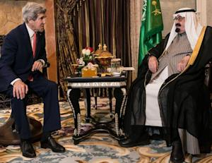 US Secretary of State John Kerry (L) and Saudi Arabia's …