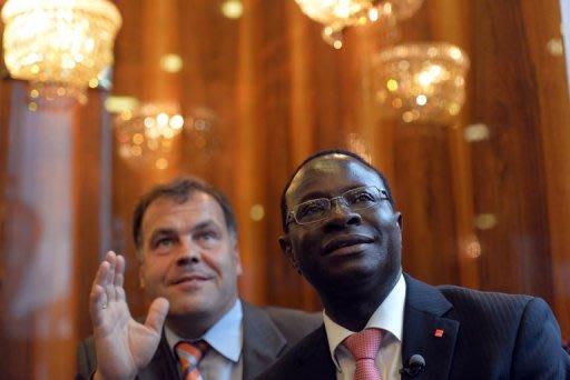 Karamba Diaby zieht über die Landesliste der SPD in Sachsen-Anhalt in den Bundestag ein. Er wurde 1961 im Senegal geboren. Seit zwölf Jahren besitzt er die deutsche Staatsbürgerschaft