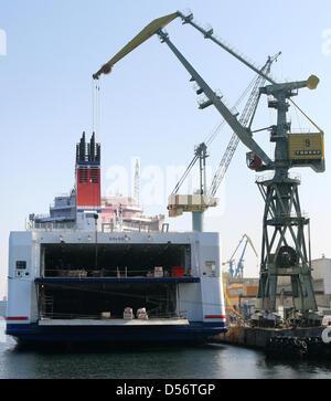 The world's biggest cargo passenger ferry ship 'Stena ...