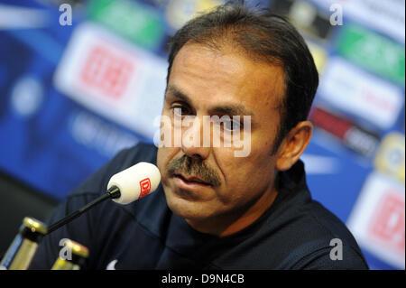 Hertha BSC's head coach Jos Luhukay talks during a press ...