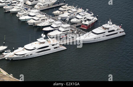 The Super Yacht Privacy Owned By Tiger Woods The Yacht