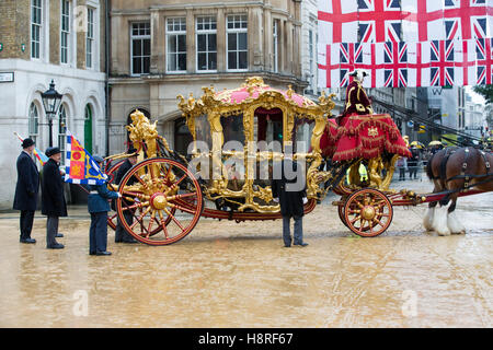 The Lord Mayor and gold coach at the Lord Mayors show ...
