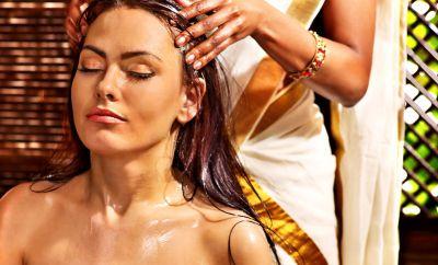 Le bain d'huile : une tradition capillaire venue de l'Inde