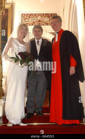 https://i1.wp.com/l7.alamy.com/zooms/0fbad43f88c54330b01282dd915bd584/john-bercow-wedding-g645d3.jpg