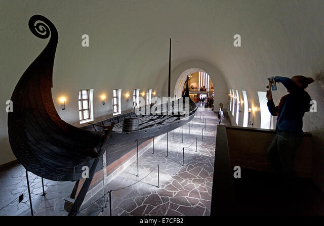 https://i1.wp.com/l7.alamy.com/zooms/68db358ed9ef47b5af4840587ef2b088/the-viking-ship-museum-in-oslo-norway-norwegian-vikingskipshuset-p-e7cfb2.jpg