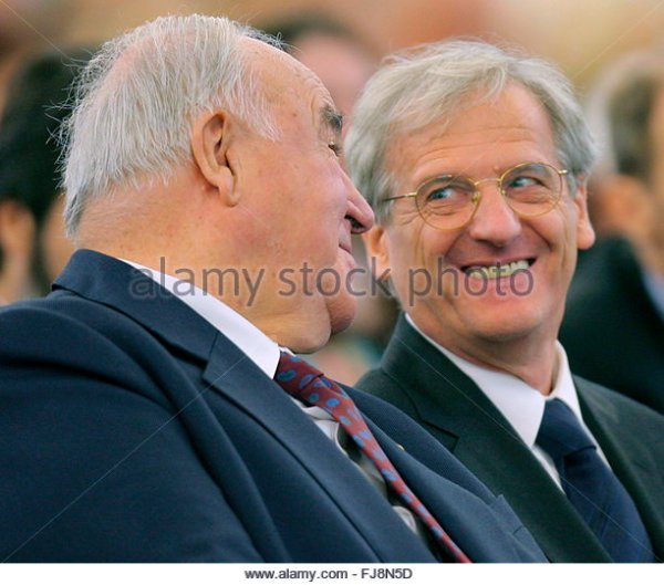 With Chancellor Helmut Kohl Stock Photos & With Chancellor ...