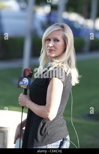 Abc Tv Reporter In La Stock Photos & Abc Tv Reporter In La ...