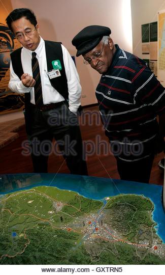 Desmond Tutu Peace Prize Stock Photos & Desmond Tutu Peace ...