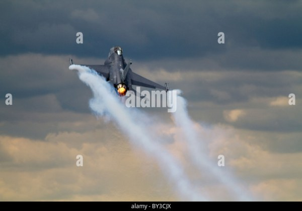 F16 Fighter Stock Photos & F16 Fighter Stock Images - Alamy