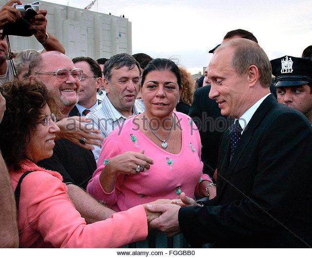 https://i1.wp.com/l7.alamy.com/zooms/ee58b1041493461eb868e6cfadfd1943/epa00530338-russian-president-vladimir-putin-r-shakes-hands-with-citizens-fggbb0.jpg