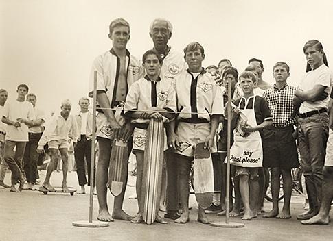 Duke Kahanamoku and the skate team - 1960s