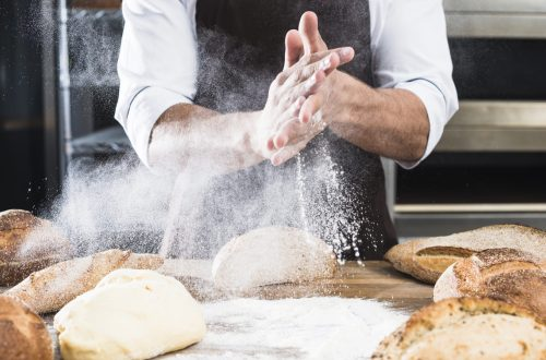 Réussir ➽ 24 recettes de l'examen du CAP Boulanger ✅ c'est le défi que je me lance. Je vous proposerai 2 vidéos par mois avec les recettes et mes conseils.