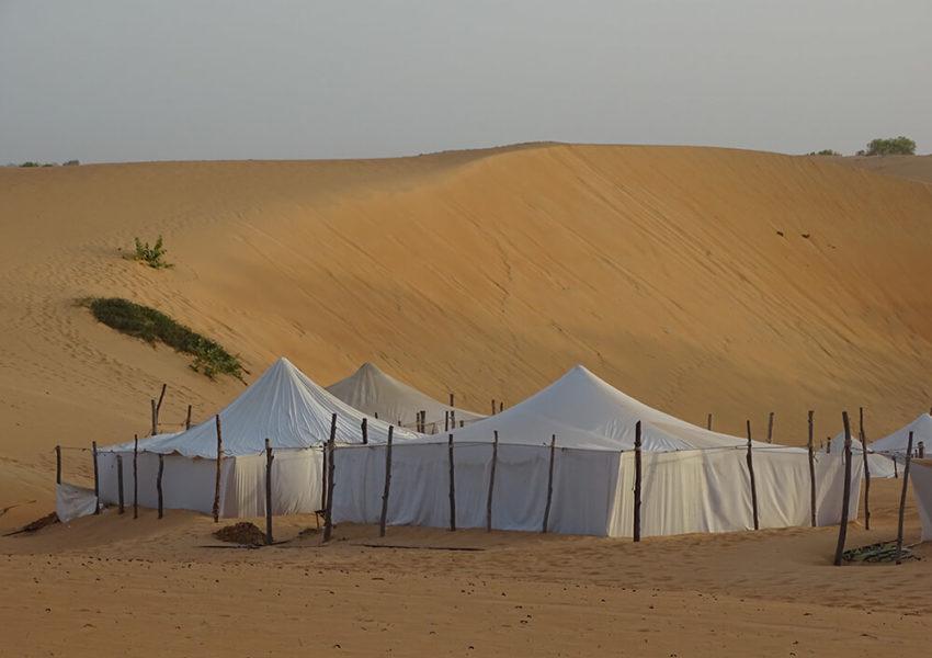vacances senegal, la boutique de pascaline, voyage senegal, voyage sur mesure, senegal, partir au senegal, aventure au senegal, lompoul, dune de sable, tente, tente mauritanienne